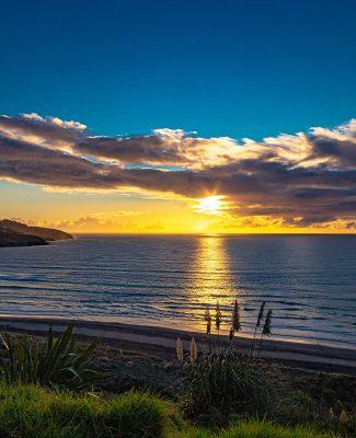 Raglan-beach-sunset